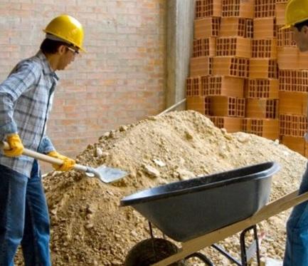 Artikel Tingkatkan Kualitas Tukang Bangunan Dengan Sertifikasi